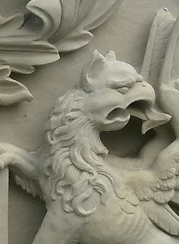 griffioen, griffin, zandsteen, detail van wapensteen