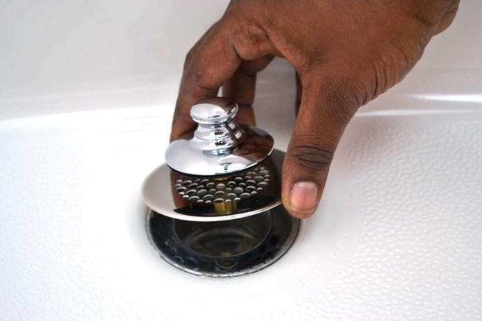 วิธีการเปลี่ยนชุดท่อระบายน้ำอ่างอาบน้ำ ง่ายๆใครก็ทำได้ไม่ต้องถึงมือช่าง 1