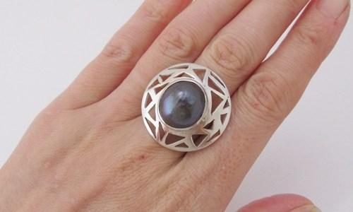 南洋真珠のリング