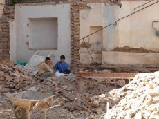 04 - Mashhad - Have a break with bricklayers