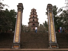 28 - Huè - Thien Mu pagoda