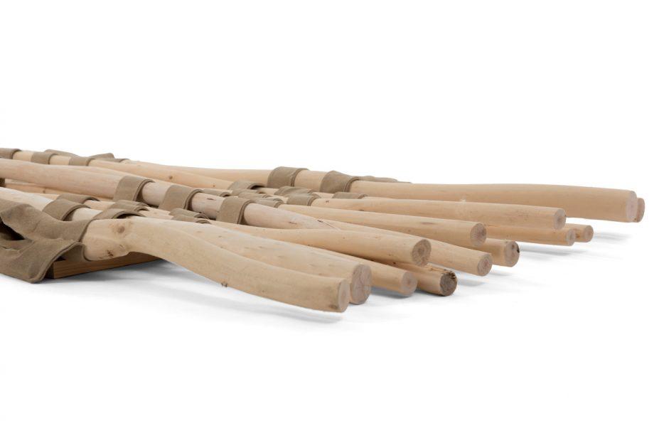 Draagbaar, baar hout, Opbaarplank Wilgen takkenbaar Beerenberg close up schuin