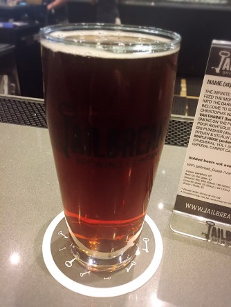 jailbreak-brewery-maple-ridge-amber-ale-002