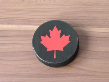 hockey-puck-bottle-opener3