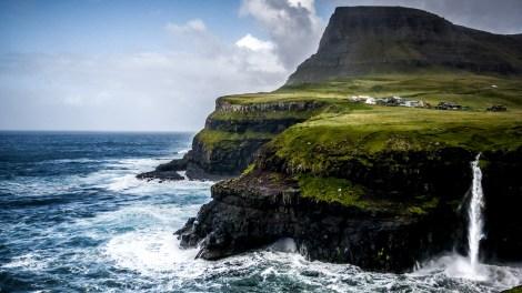 Gásadalur - ein geheimnisvolle Dorf auf den Faroe Isalnds