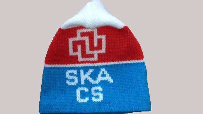 Die SKA Mütze verfolgt mich mein ganzes Leben langt, dieses Kleidungsstück wird ewigen Bestand haben, genau wie die Musik von Modern Talking deren textiles Ebenbild sie wohl darstellt.