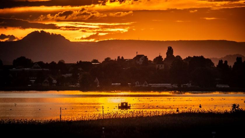 Dieses Bild hat ein leeres alt-Attribut; sein Dateiname ist Sonnenuntergaang-Seerhein-Untersee-Reichenau-1-von-1.jpg.