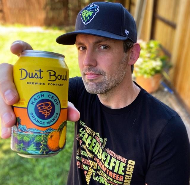 Kash Crop beer selfie