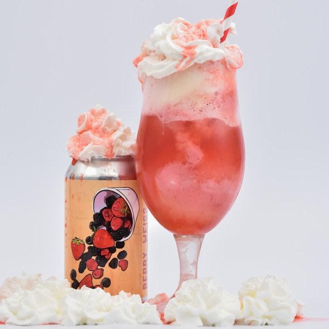 Berries 'n Cream Weiss Float