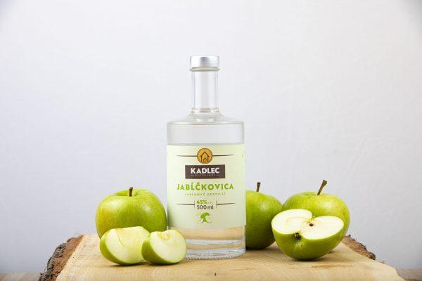 Jabĺčkovica; Jabĺčkovica 45%; Kadlec Destillery; destilát; Kadlec