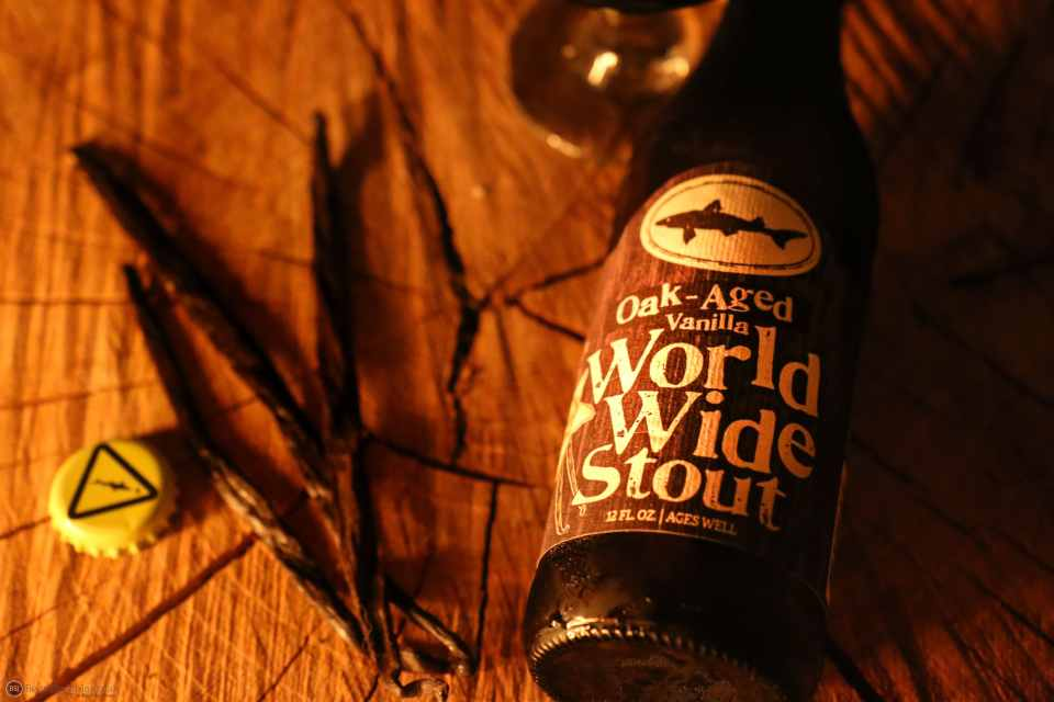 Dogfish Head Oak Aged Vanilla World Wide Stout bottle