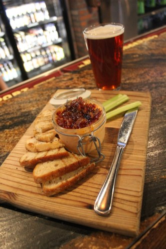 House-made pimento cheese spread topped with our sweet & savory bacon onion jam. Highland Clawhammer Oktoberfest