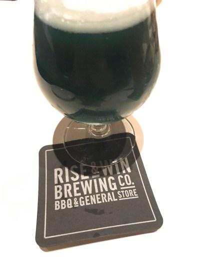 Rise & Win Brewing Co. Kamikatz Taproom Beer 3・ライズアンドウィンブルーイングカンパニー カミカツタップルームビール3