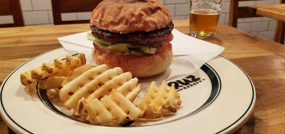 Cruz Burgers & Craft Beer Food 3・クルズバーガーズ アンド クラフトビアフード3