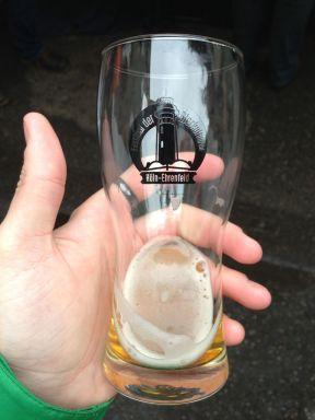 Das offizielle Festivalglas, enhalten im Eintrittspreis von 5€