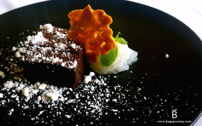 Whale's Belly Luxury Fine Dining Bangkok. Belgian Dark Couverture Chocolate Brownie.