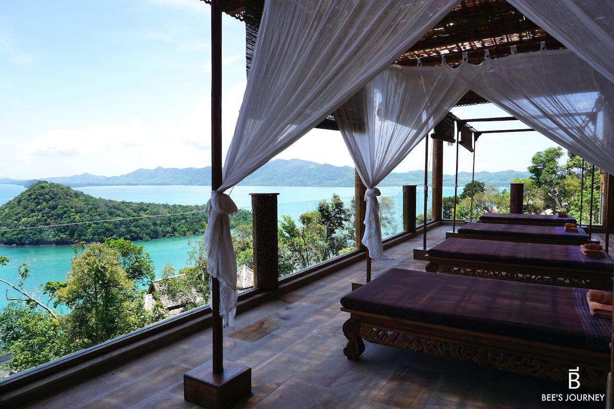 Santhiya Resort and Spa Koh Yao Yai luxury travel blog Thailand Thai Massage by the beach