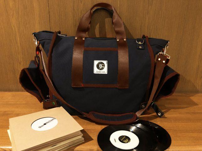 7インチも12インチも収納可能なレコードバッグ、DJバッグ