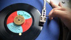 Sam Dees & Bettye Swann「Just As Sure」