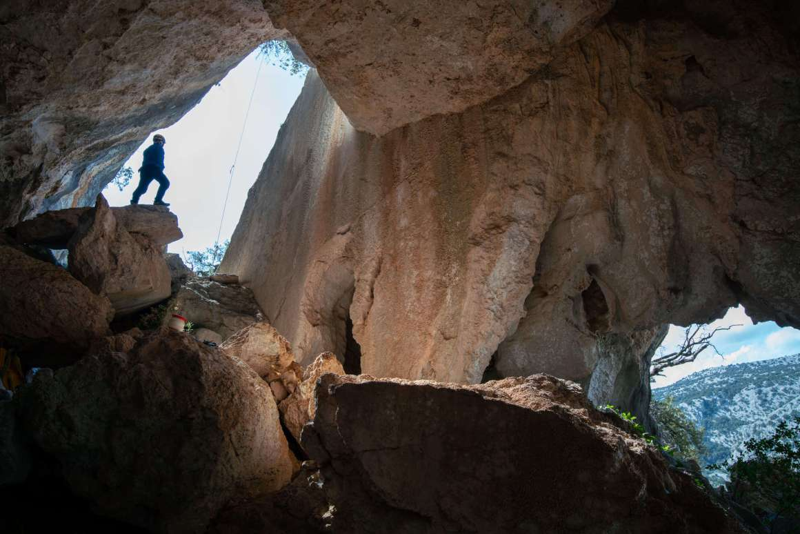 sardegna spedizione grotta