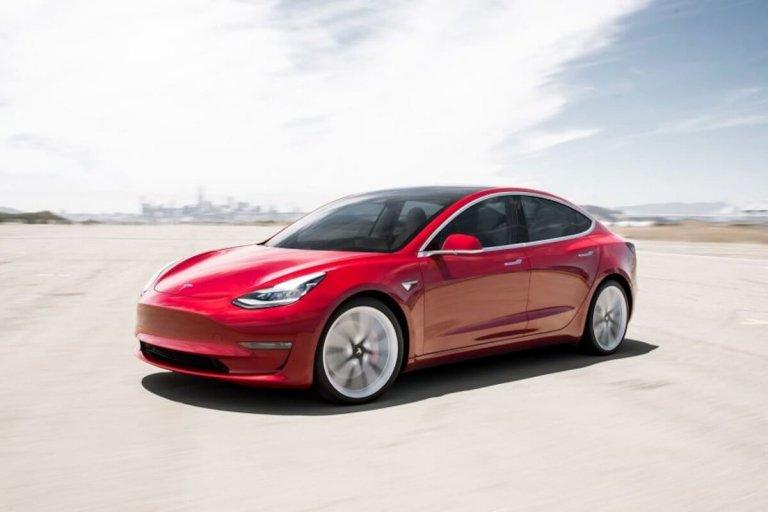 Tesla model 3 vs Kia e Niro rouge