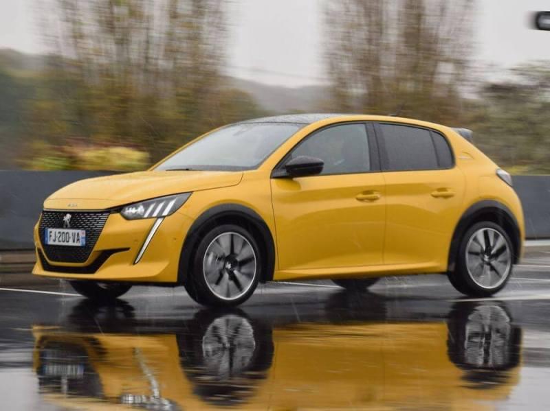 Peugeot 208 - micro crédit 5 000 €