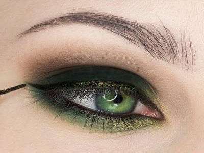 green-eye-makeup