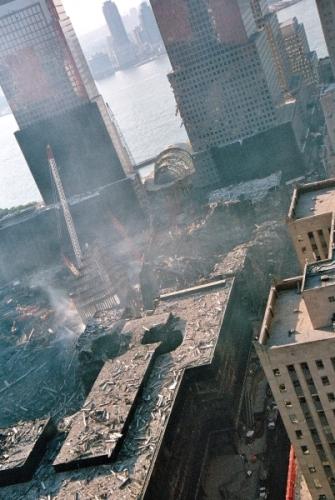 030 12 335x500 - Salen a la luz unas exclusivas fotografias del 11 de Septiembre