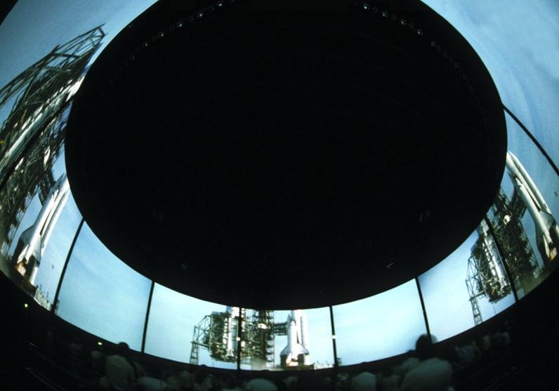 Circle-Vision 360° presentation brings