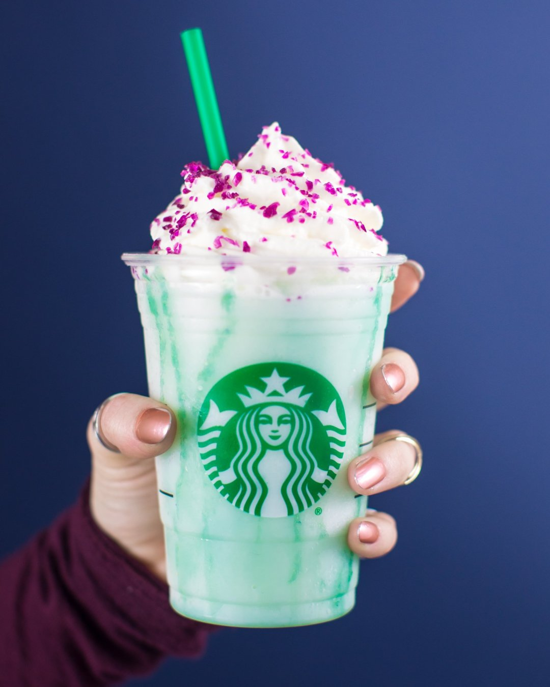 tmp_GPxat0_6ad3a2b6ab961103_Starbucks_Crystal_Ball_Frappuccino_purple_hi_res