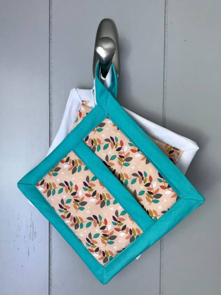 Easy Hot Pad with Hand Pocket - DIY Sewing Tutorial