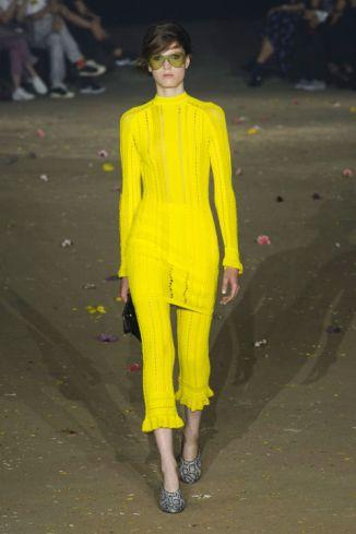 http://www.harpersbazaar.com/fashion/fashion-week/g7794/new-york-fashion-week-spring-2017/?slide=75
