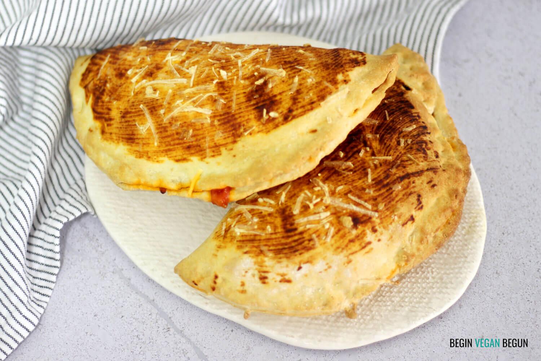Pizza calzone vegana