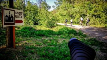 ciclisti din teleorman in vizita la manastirea plavniceni