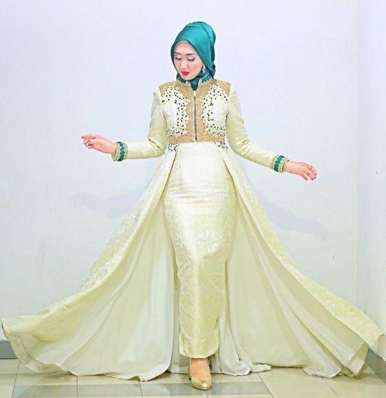 Ide Ide Gaya Hijab Bak Princess Ala Desainer Dian Pelangi Blog