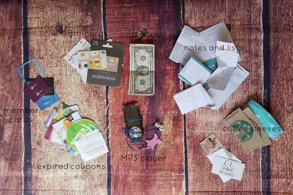 20 Days of Me - Day 5 - What's in your purse? The back pocket is perfect for stuffing in receipts and old grocery lists.
