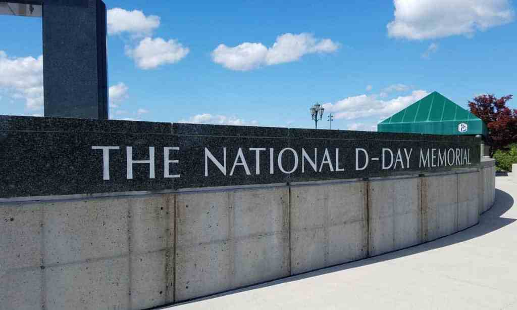 Flanking the Overlord Arch on the highest plaza is a wall with the date and the National D-Day Memorial etched into stone.