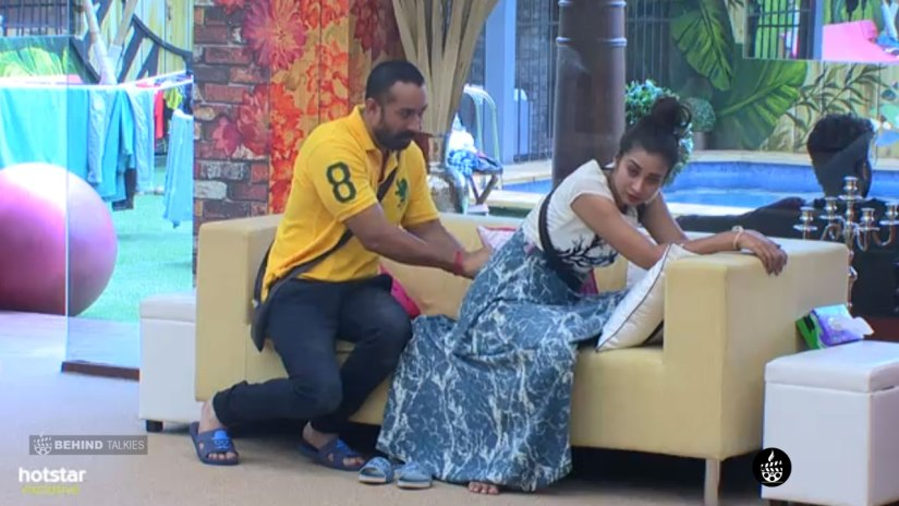 Amit Tiwari helping Banu in Bigg Boss House