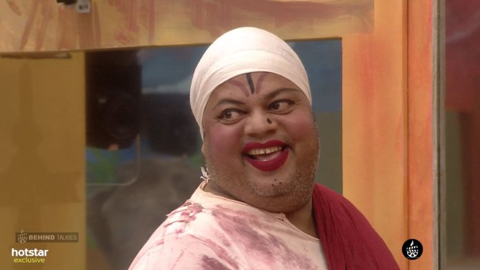 Anoop Girl Makeup Mode Bigg Boss House
