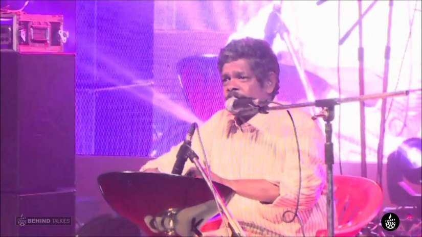 Suresh Thampanoor singer