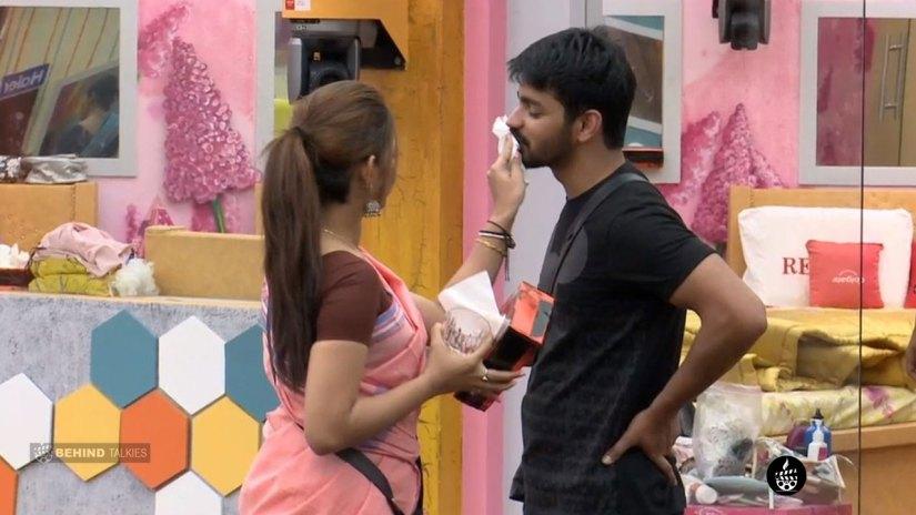 mahat and Aishwarya in Bigg Boss House