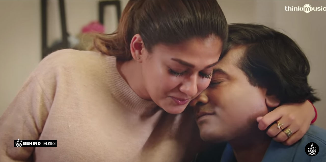 Neeyum Nanum Video Song with lyrics