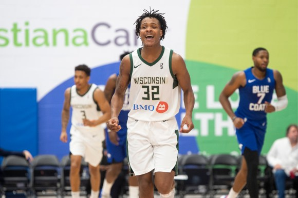 Wisconsin Herd: Dominating the glass no tall task for Jemerrio Jones