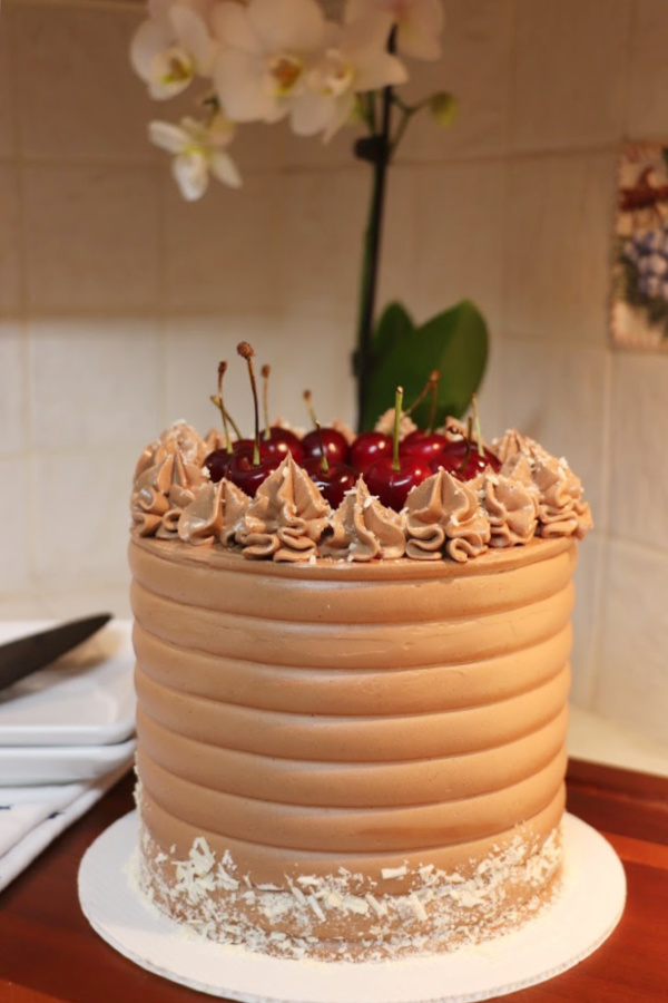 Chocolate-Swiss-Meringue-Buttercream-recipe