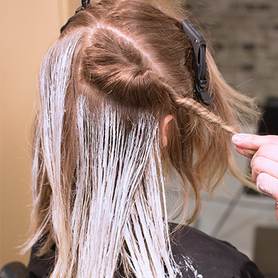 section hair to keep control during balayage application