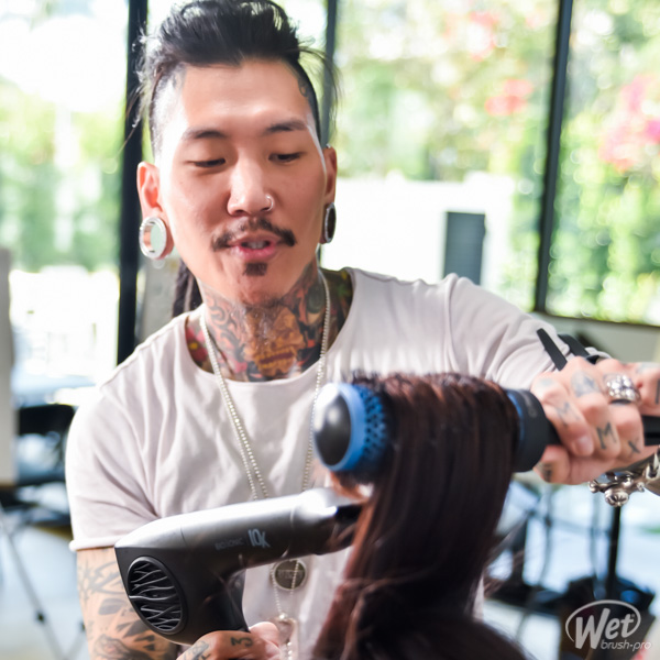 Philip Wolff Blow-Drying and Cutting a Transformation Using WetBrush