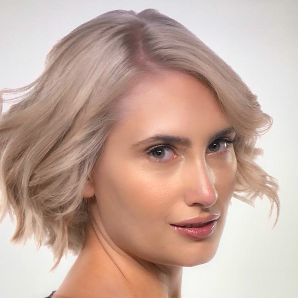 Wella Professionals How-To: Watch 4+ Levels of Lift Blonding Transformation Tips Color Formulas Techniques