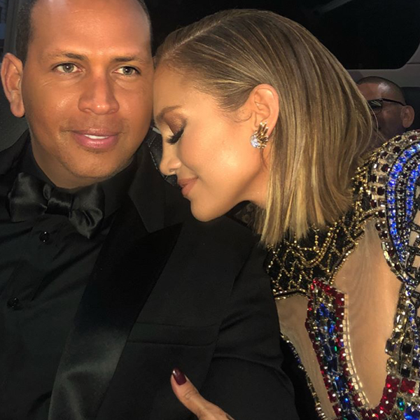 Jennifer Lopez Stunned On The Red Carpet At The 2018 Met Gala