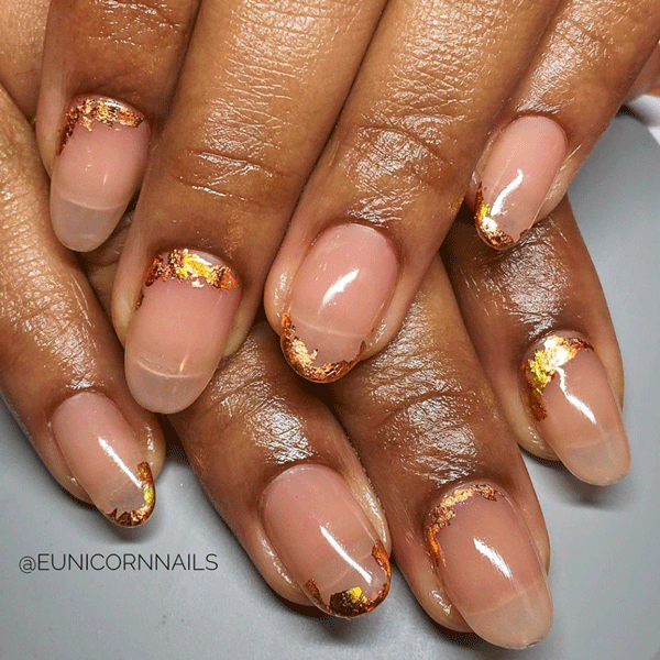 eunicornnails-gold-nude-nails