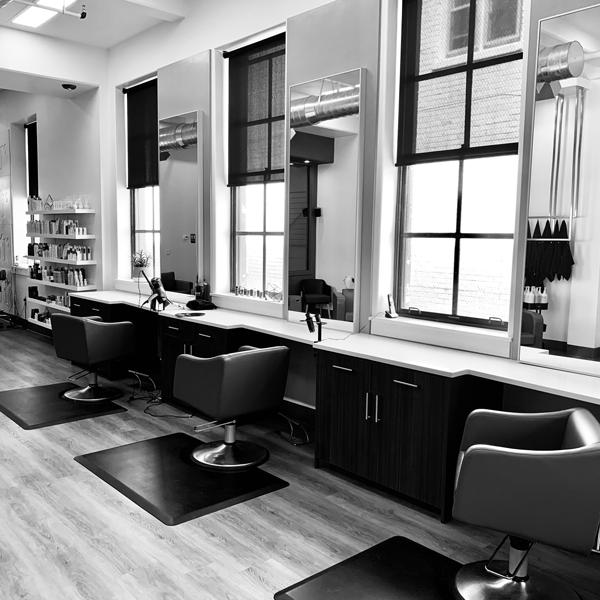 greyscale-empty-salon